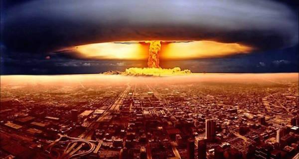 エイリアンの水爆攻撃による滅亡...