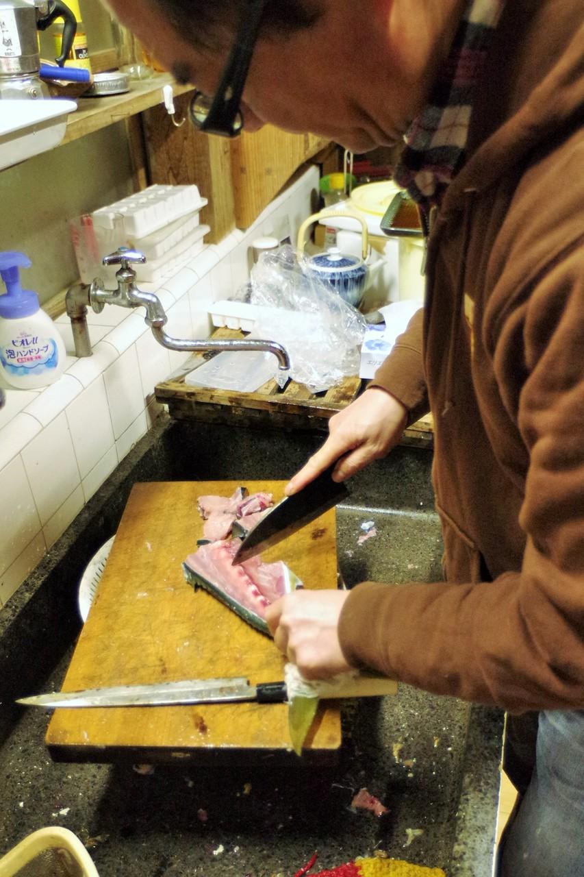 キッチンサワ~イの見事な包丁さばき