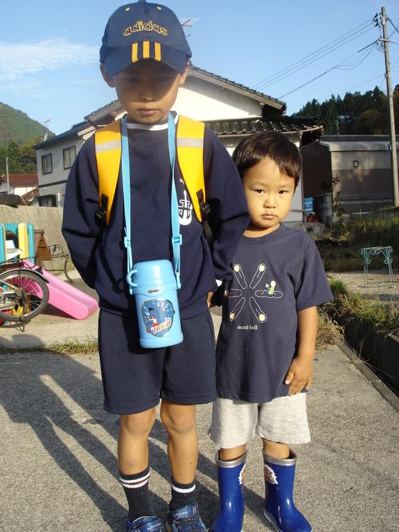 小学校、初遠足の日に・・・。