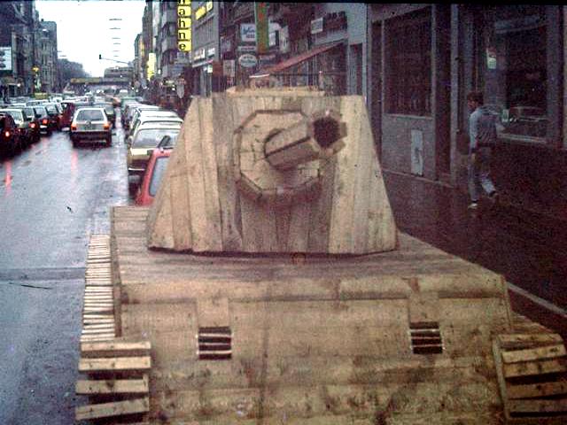 Holzpanzer,  Köln, Aachener Strasse, 1985