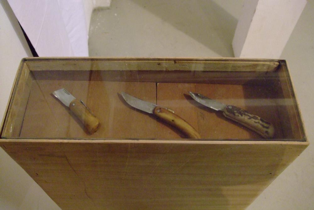 Drei Messer, Buchsbaum, Hirschhorn, Stahl, 2002 -2010
