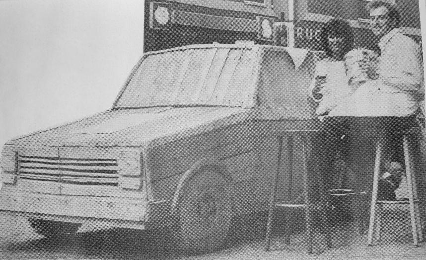 Holzauto, Installation, 1985, John, Smicek, Weiler
