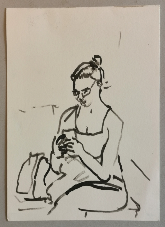 Frau mit smartphone, Bambusrohrfeder auf Bütten