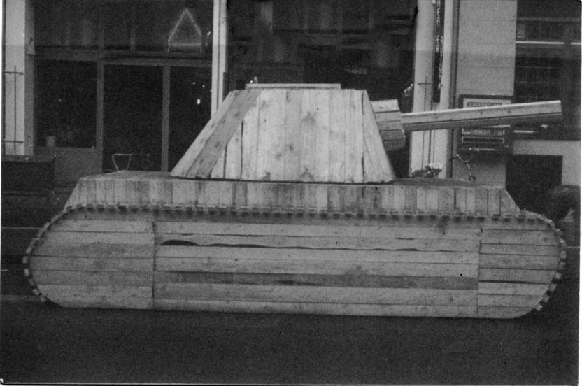 Holzpanzer, Installation, Smicek, Weiler, 1985