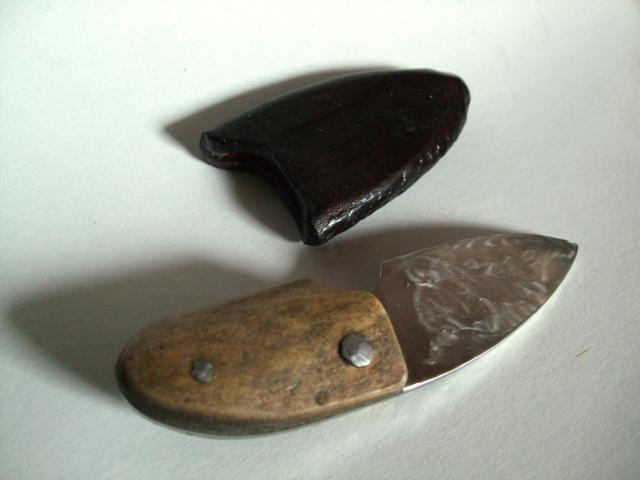 Messer mit Scheide, Horn, Stahl, Leder, 2008
