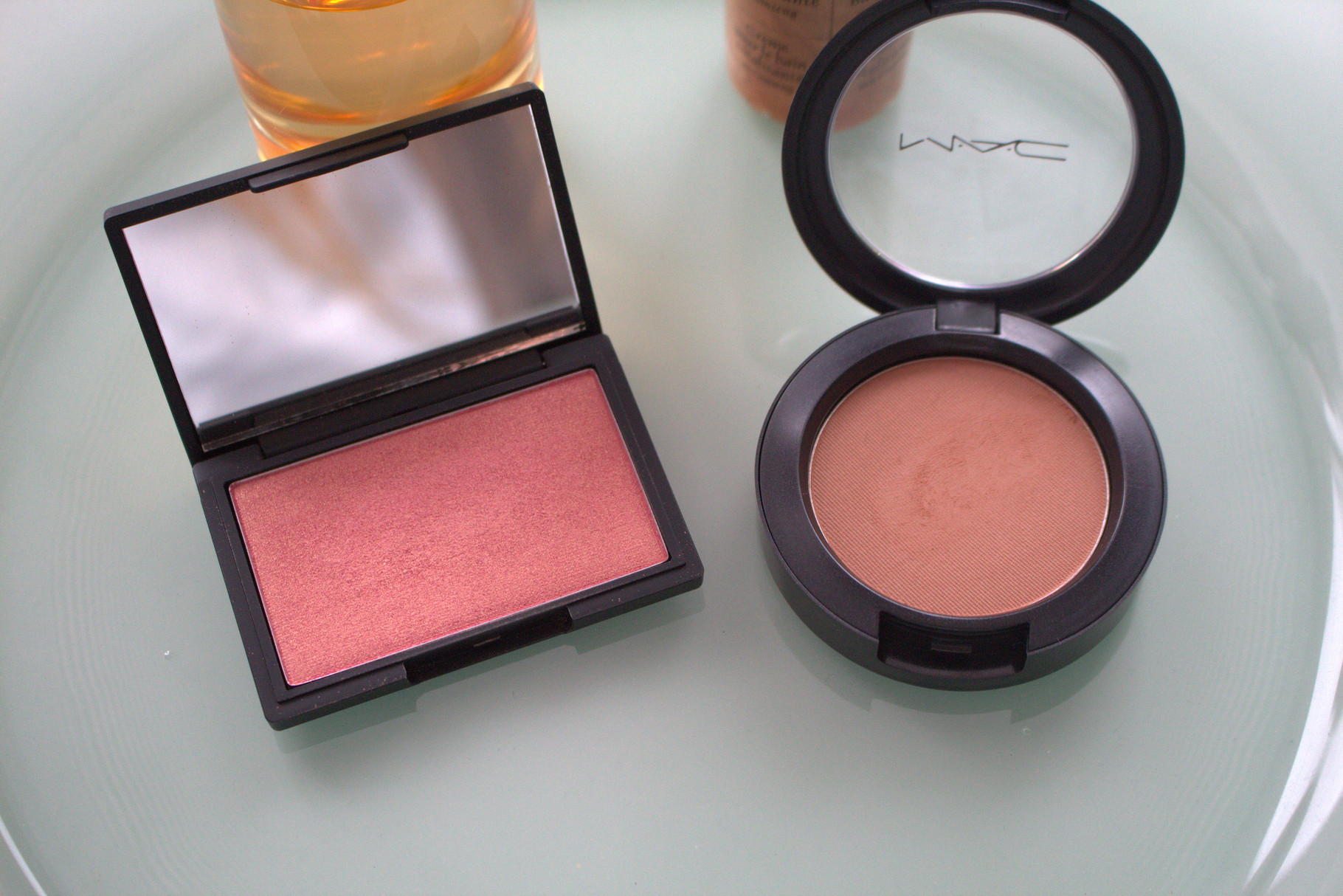 "Sleek ""Rose Gold"" und Mac ""Cheek Pollen"""