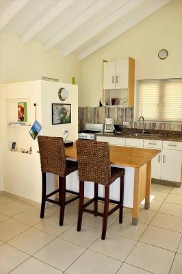 Küche-Ferienhaus-CAS-IGUANA-Urlaub-Curacao-Karibik-Villapark-Fontein