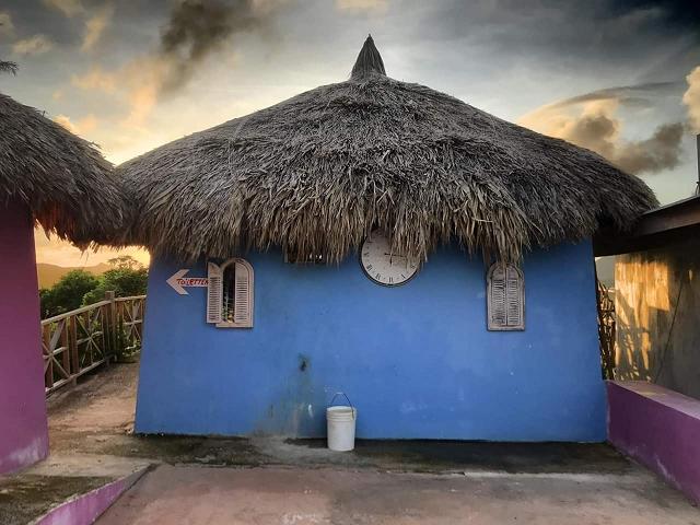 shelterrock-paradise-urlaub-curacao-villa-ferienhaus-pool-karibik