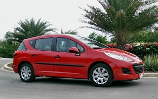 Peugeot-207SW-urlaub-curacao-villa-ferienhaus-pool-karibik