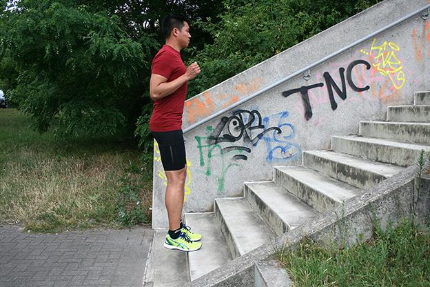 Dr. Matthias Marquardt, MARQUARDT RUNNING Athletik-Uebung: Bordsteinkante 03