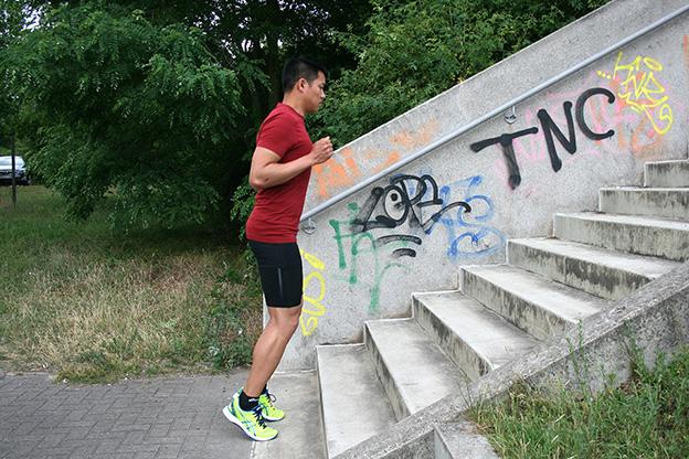 Dr. Matthias Marquardt, MARQUARDT RUNNING Athletik-Uebung: Bordsteinkante 01