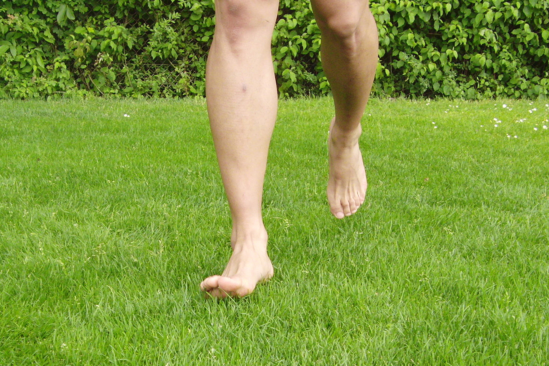 Dr. Matthias Marquardt, MARQUARDT RUNNING Athletik-Uebung: Barfußlaufen