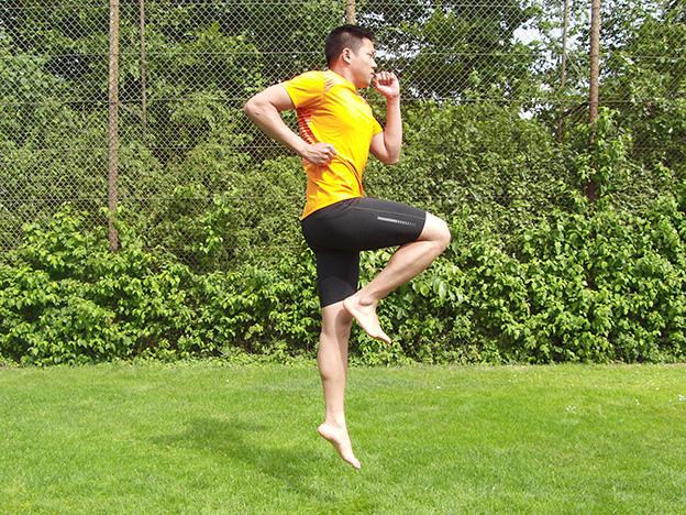 Dr. Matthias Marquardt, MARQUARDT RUNNING Athletik-Uebung: Hopserlauf