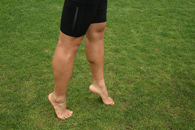 Dr. Matthias Marquardt, MARQUARDT RUNNING Athletik-Uebung: Fusszirkel > Ballerina- und Hackenlauf 01