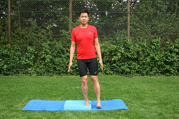 Dr. Matthias Marquardt, MARQUARDT RUNNING Athletik-Uebung: Hempelmann einbeinig 01