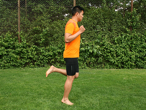 Dr. Matthias Marquardt, MARQUARDT RUNNING Athletik-Uebung: Anfersen 02
