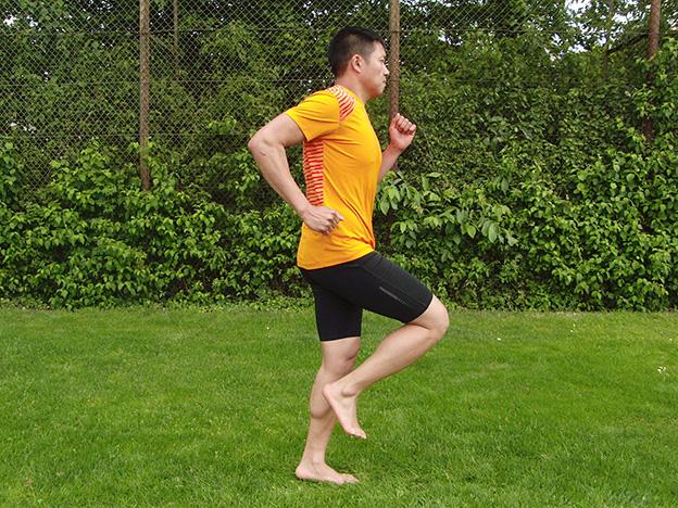 Dr. Matthias Marquardt, MARQUARDT RUNNING Athletik-Uebung: Prellhopser 01