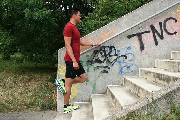 Dr. Matthias Marquardt, MARQUARDT RUNNING Athletik-Uebung: Exzentrisches Wadentraining 02