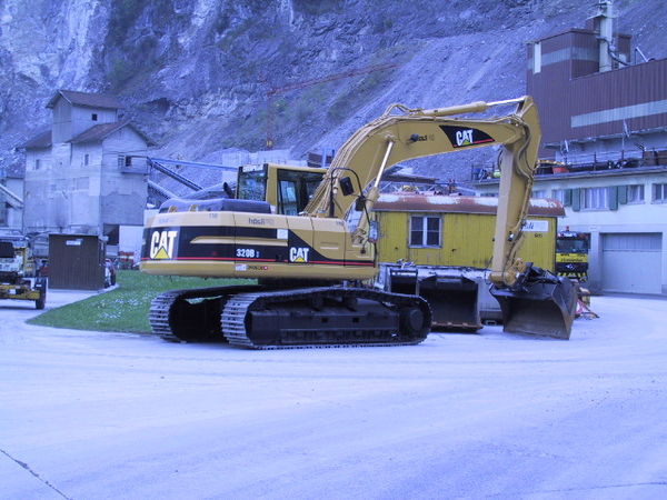 M-116 / Cat 320 B S Alpine / 132kW / 23to / 2002