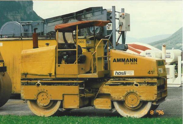 M-415 / Vibro-Glattwalze Ammann DTV 822A / 64kW / 8100kg
