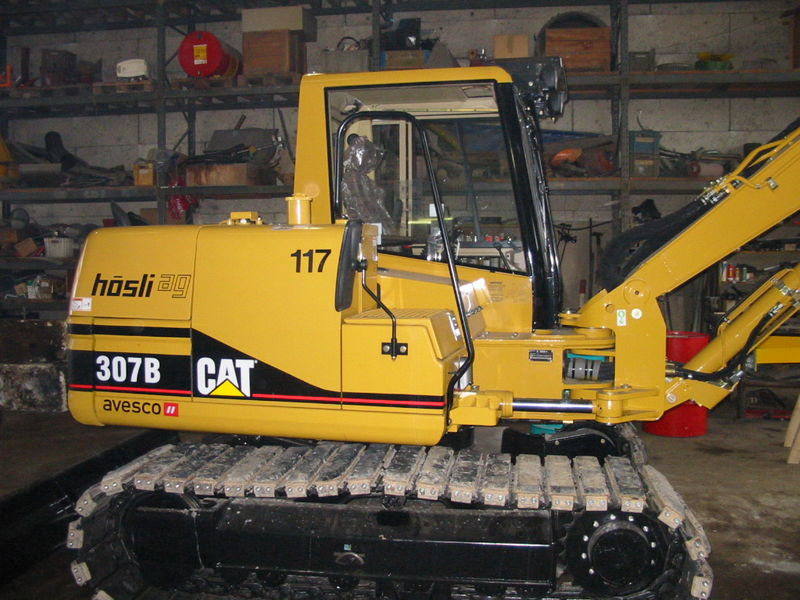 M-117 / Cat 307B / 54kW / 8to / 2003