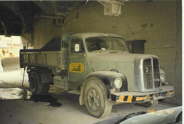 M-220 / Kipper 2-achs / Saurer 5D-CT2DL / 143 kW