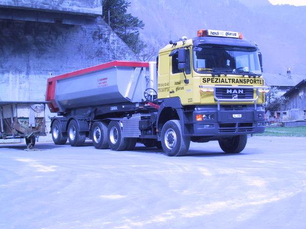 M-233 / Sattelschlepper 3-achs / MAN 33.604 DFAT / 441 kW / Euro 2 / 2001