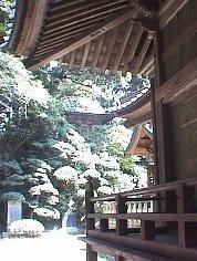 愛宕神社から飯綱神社を望む。