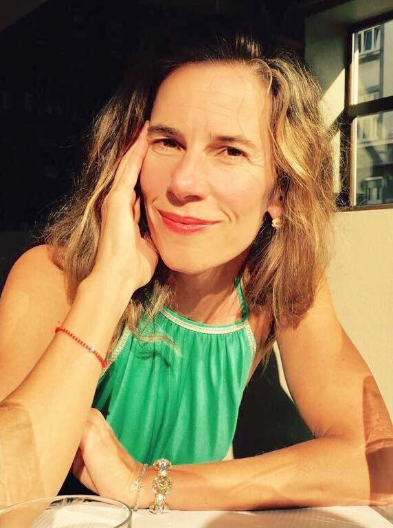 Schwangerschafts-Yoga im Wasser. Aqua-Mama Maya Kerpenisan im Interview mit MOMazing – Das Mama Yoga Love Mag