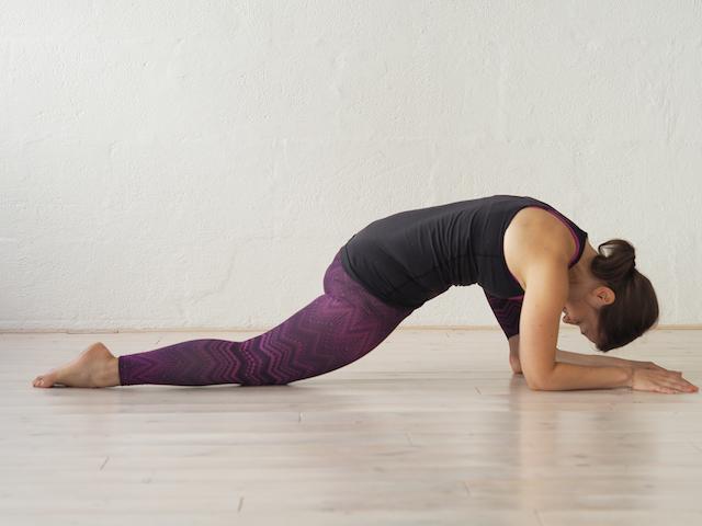 Yin Yoga in der Schwangerschaft - Der Drache II - Mama Yoga Blog MOMazing.