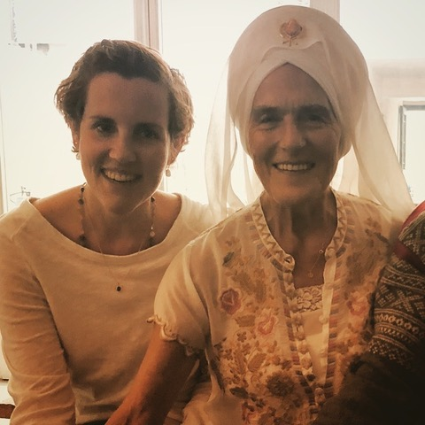 Erfahrungsbericht Bettina Breunig über das Khalsa Way Prenatal Teacher Training mit Gurmukh Kaur Khalsa // Mama Yoga Blog MOMazing