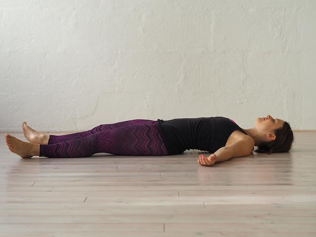 Yin Yoga in der Schwangerschaft - Shavasana. Mama Yoga Blog MOMazing.