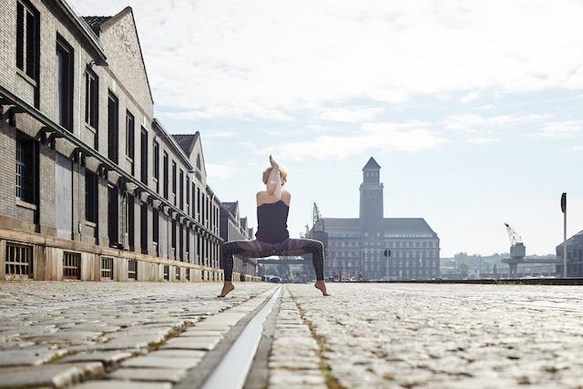 Yoga und Ayurveda um die Sinne zu beruhigen - Mama Yoga Blog MOMazing.