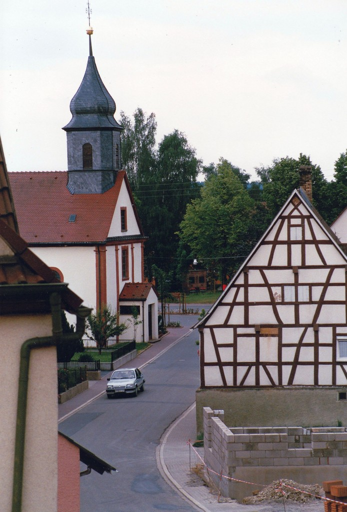 Abb. 3: Ansicht von Richtung Friedhof her (Foto: Dieter Hofmann)