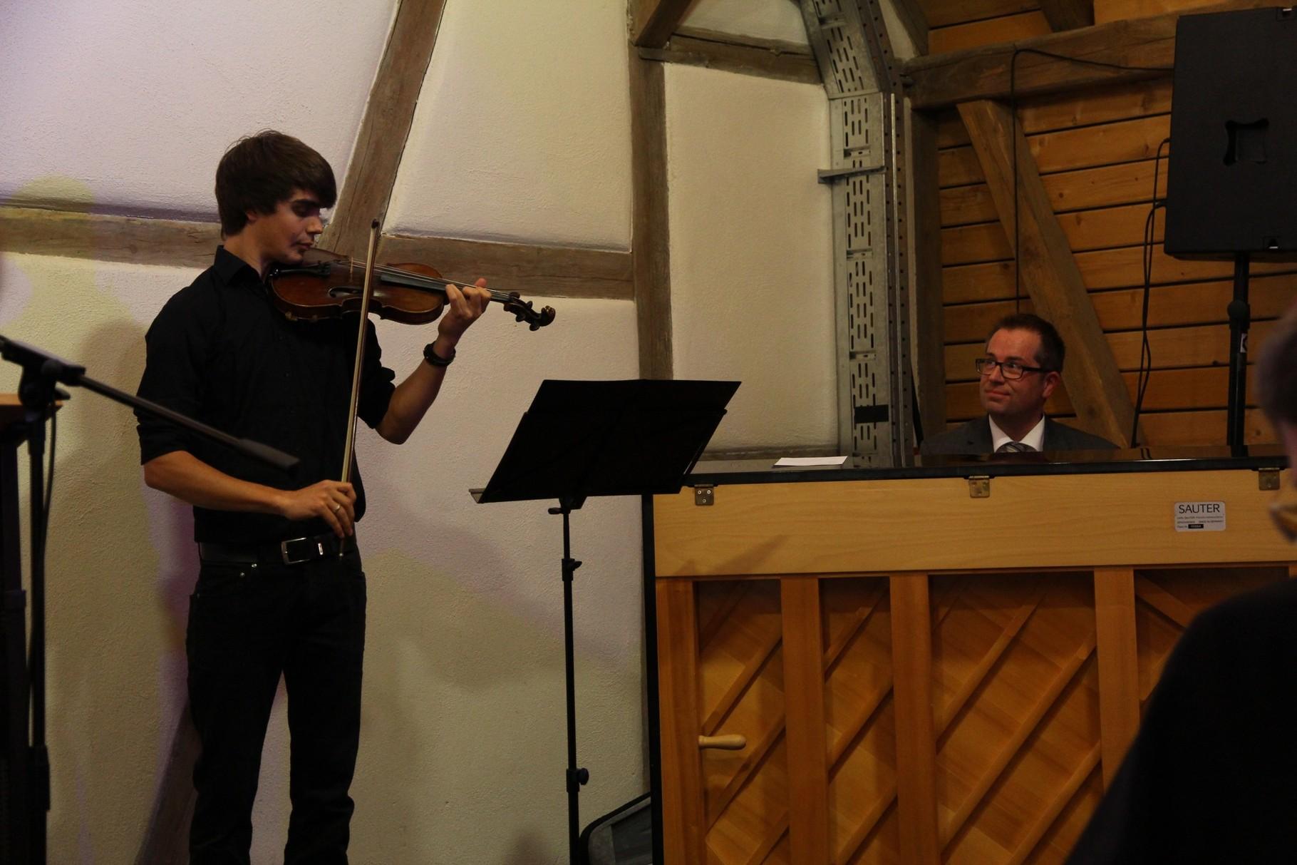 Lorenz Schweizer (Violine) und Stefan Müller (Klavier)