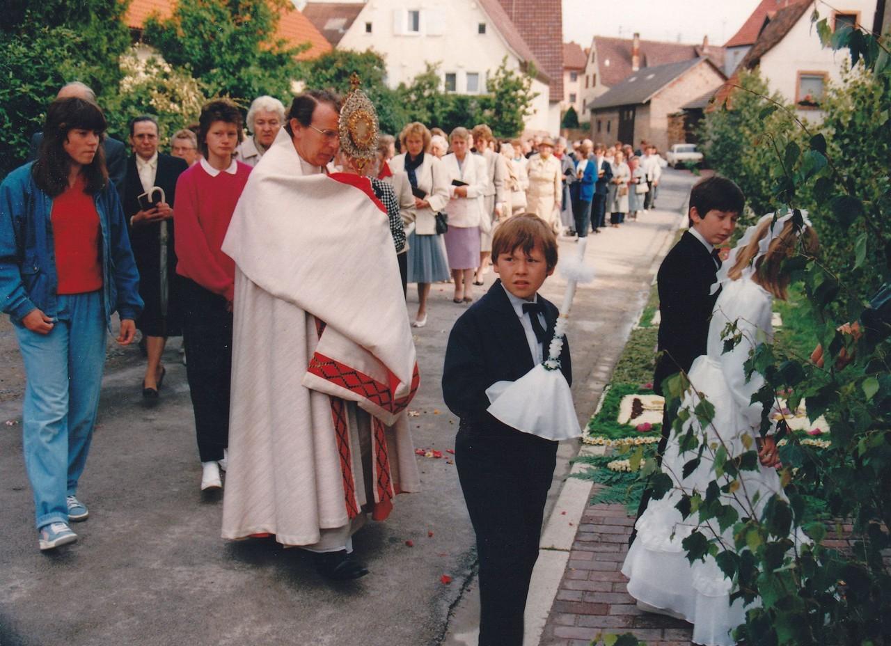 Pfarrer: Roland Knapp