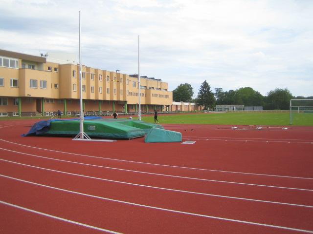 Landessportbund Berlin, im Erdgeschoß Geschäftsstellen des OSC Berlin und der Leichtathletikabteilung
