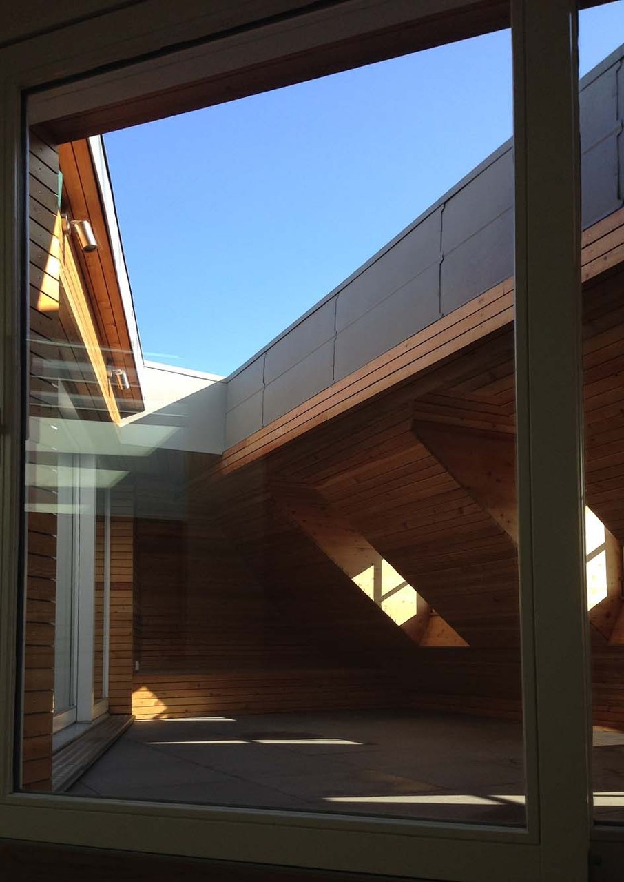 Terrasse créée côté place Broglie