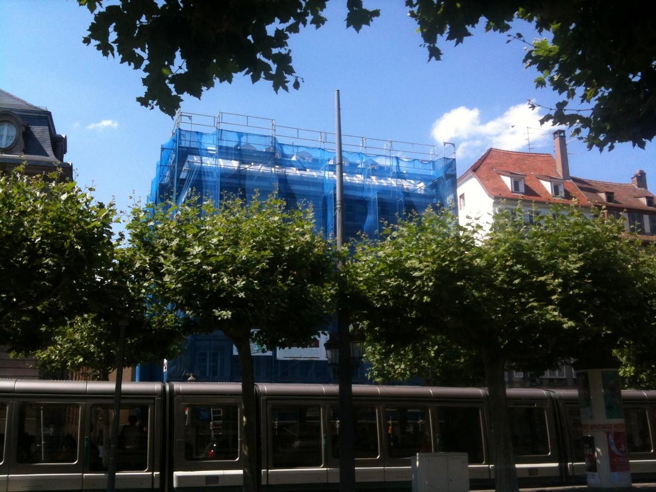 Vue de l'immeuble pendant les travaux