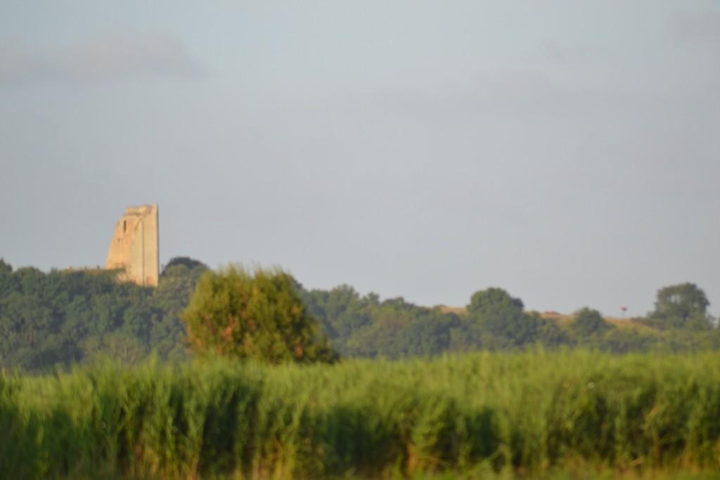 La tour de Broue au petit matin