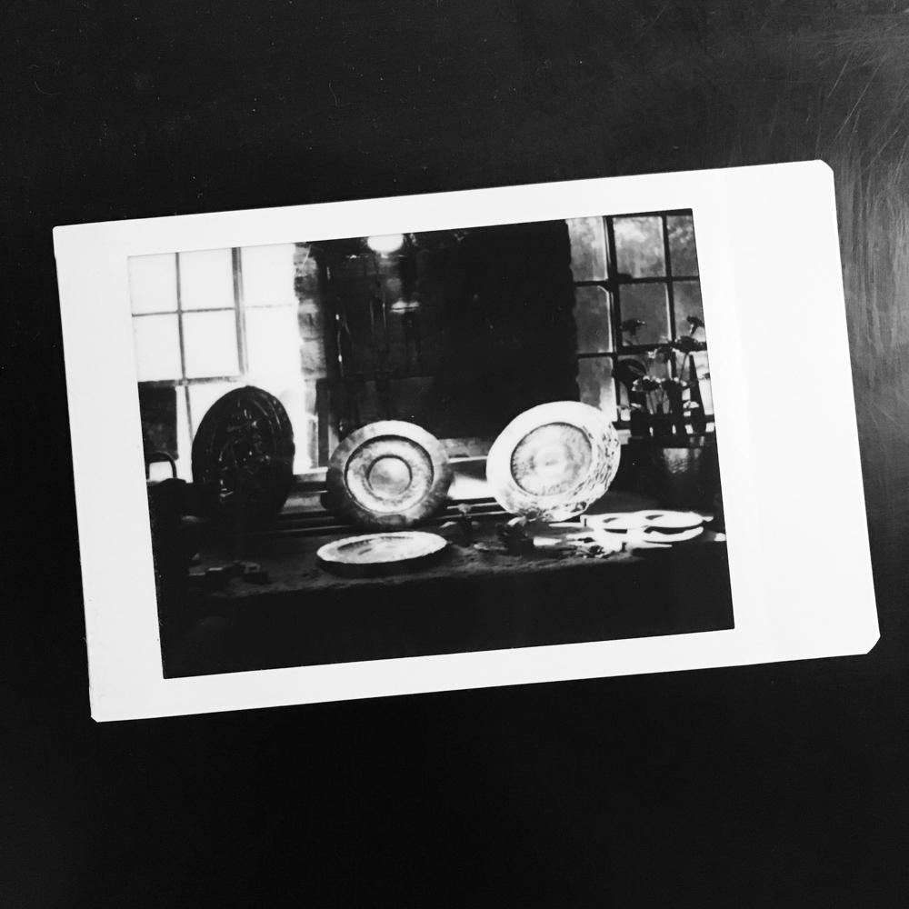 Instax Monochrome Film von Tobias Gawrisch (Xplor Creativity)