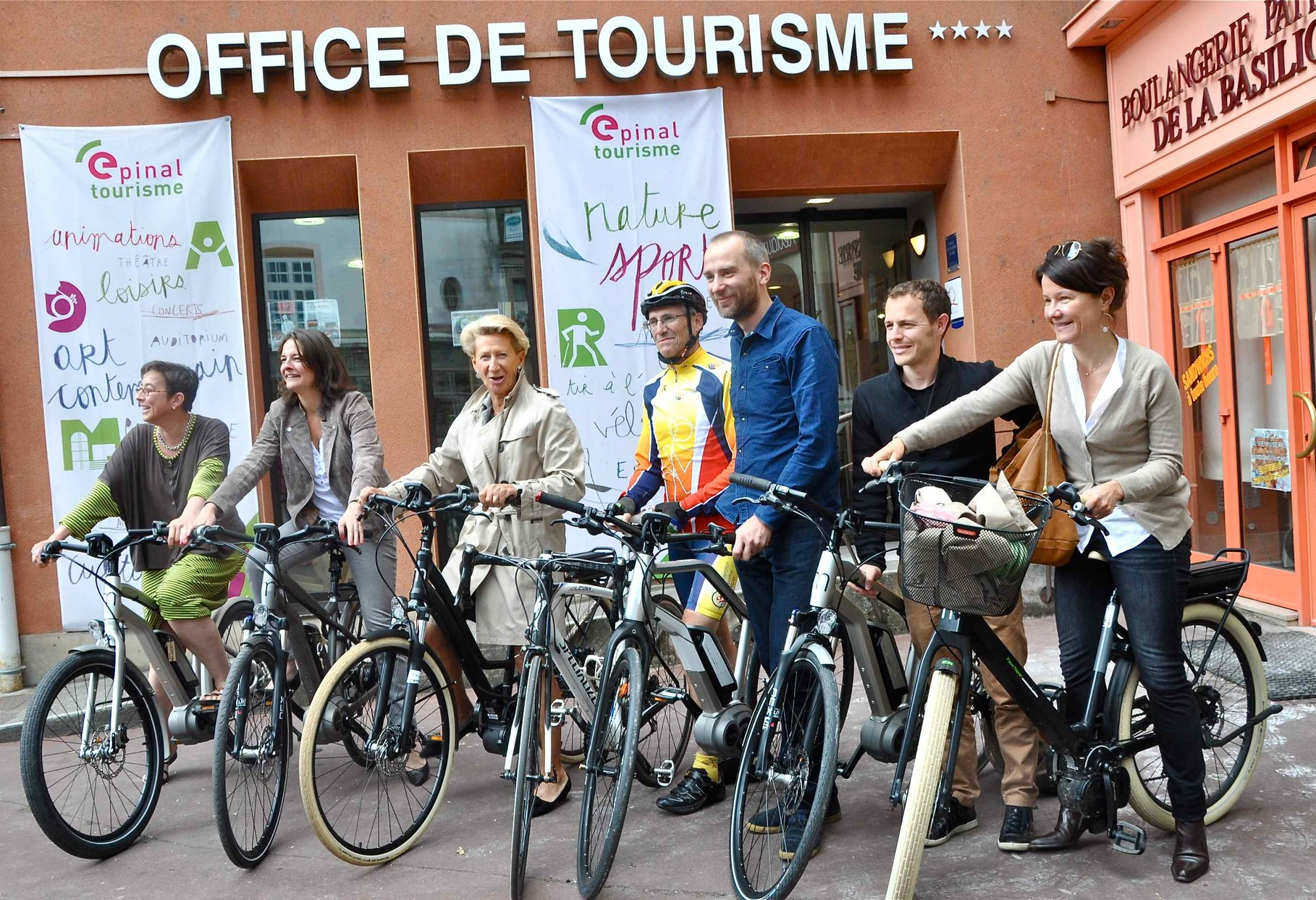 Moustache Epinal Tour 2014 - 100 invités à vélo entre Metz et Epinal, via Nancy. Opération de promotion du vélo à Epinal et alentours.
