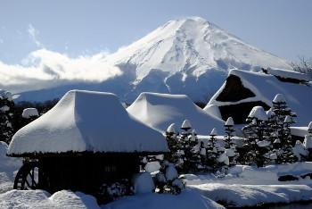 富士山麓の忍野村の画像