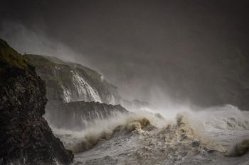 荒れた海の画像