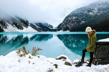 アルバータ州の湖の画像