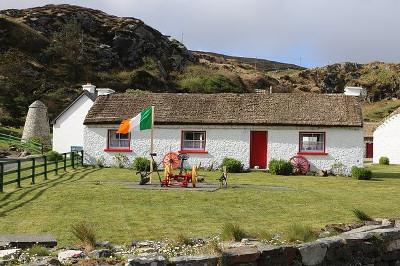 Ireland アイルランドの石の家