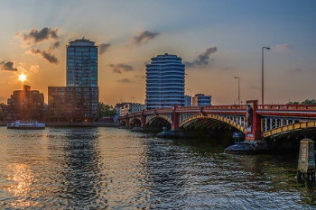 Vauxhall bridge ピムリコ駅に近いヴォクスホールブリッジ