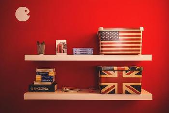 アメリカ国旗とイギリス国旗の画像