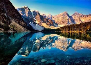 カナダ・モレーン湖の画像