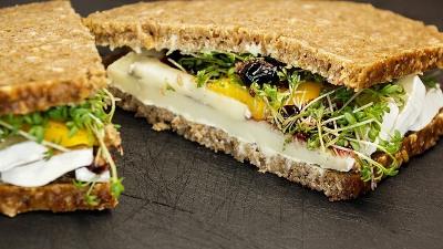 ライ麦のサンドイッチの画像